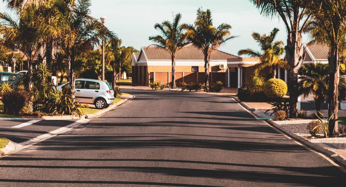 outdoorchallenge-asphalt-buildings-2046545